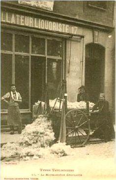 Cartes postales des métiers anciens