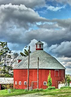 Barn In The Round