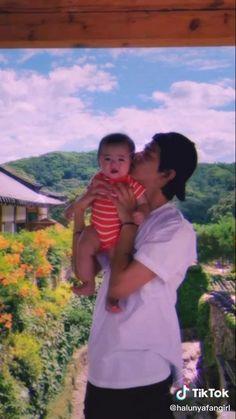 Bts Jimin, Foto Jungkook, Cute Asian Babies, Korean Babies, Kim Taehyung Funny, Bts Taehyung, Foto Bts, Die Beatles, Bts Dancing
