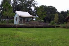 Cabin in Bradenton, United States. Our Fish Camp has 4 newly built cabins on the banks of Ward Lake and the Braden River. All cabins gave 2 twin beds, air cond, electric and room for an additional air mattress. Private shower rooms, playground, boat rentals and bait & tackle shop. ...