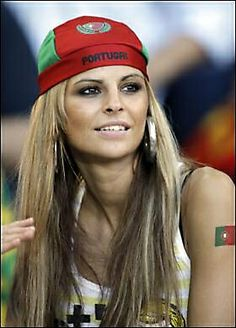 Check 18 crazy football fans of FIFA world cup from Portugal that will blow your mind. Hot Football Fans, Fifa Football, National Football Teams, Soccer Fans, Soccer World, Football Players, Soccer Cup, International Football, Brazilian Girls