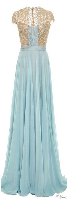 Looks fab indeed (Frivolous Fabulous - Reem Acra 2015 Frivolous Fabulous Trousseau) Beautiful Gowns, Beautiful Outfits, Elegant Dresses, Pretty Dresses, Bridesmaid Dresses, Prom Dresses, Formal Dresses, Dress Prom, Short Dresses