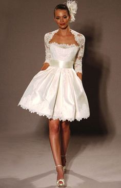 Wedding dress for short bride becomes the solution for you who have short body. The short body is not proportional if you wear the wedding dress that is usually Wedding Robe, Short Lace Wedding Dress, Wedding Dress Sash, Wedding Bridesmaid Dresses, White Wedding Dresses, Cheap Wedding Dress, Bridal Dresses, Wedding Gowns, Prom Dresses