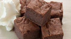 O prăjutră cu ciocolată este cel mai bun desert care se poate prepara extrem de rapid. Noi ţi-am pre...