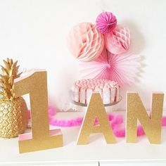 LOT- 1 year -letter painted + one side glitter – birthday decoration-candy bar -rose and gold - New Deko Sites Glitter Birthday, Birthday Candy, Birthday Table, Happy Birthday, Gold Birthday, Crafts For Girls, Diy For Girls, Birthday Decorations, Table Decorations