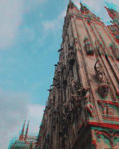 Domm de Milan e mi sun piemonteis  #chiaralosh #duomo #milano #milan #sky #duomomilano #duomodimilano #photography #photooftheday #photo #life #today #italiangirl #italy #italia