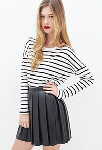 Forever 21 is the authority on fashion & the go-to retailer for the latest trends, must-have styles & the hottest deals. Shop dresses, tops, tees, leggings & more. Tops Online Shopping, Skater Skirt, Latest Trends, Forever 21, Bell Sleeve Top, Leggings, Blouse, Tees, Hot