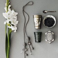 Tikkurilan Trendivärit 14-15: Hurmaava harmaa antaa sijaa Chocolate House, Light Grey Walls, Wall Lights, Colours, House Styles, Mongolia, Inspiration, Paintings, Interiors