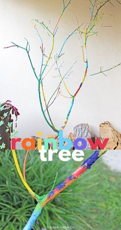 Today's simple but beautiful tree branch craft with brighten up your porch and be a memorable family project. School Art Projects, Craft Projects For Kids, Arts And Crafts Projects, Crafts To Make, Tree Branch Crafts, Tree Branches, Indoor Activities For Toddlers, Toddler Activities, Babble Dabble Do