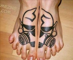 A list of some of the best and most original tattoos out there drawn under the ink injector - Awesome Tattoos Funny Tattoos, Sexy Tattoos, Tatoos, Awesome Tattoos, Original Tattoos, Foot Tattoos, Picture Design, Beautiful Tattoos, Picture Tattoos