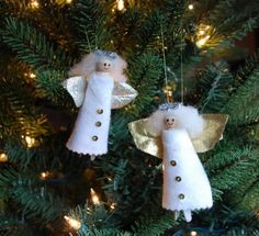 Christmas Craft #3 Clothespin Angels    I know there are alot of clothespin angels out there, but this is an easy version that your kids can make