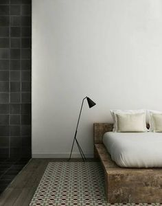 I like this bedframe and the lamp