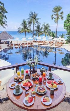Breakfast table laid (: - via Beautiful Hotels on : Amazing Destinations - International Tips - Dream - Exotic Tropical Tourist Spots - Adventure Travel Ideas - Luxury and Beautiful Resorts Pictures by Most Beautiful Beaches, Beautiful Hotels, Beautiful Places, Hotel Sheraton, Riu Hotels, Luxury Hotels, Breakfast Around The World, Hotel Breakfast, Nice Breakfast