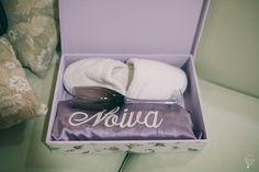 Caixa para noiva com interior pintado e exterior forrado em tecido. Peça um orçamento: ateliesonhodecaixa@gmail.com