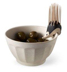 """Hay un erizo en tu plato. Son la mascota de moda, pero si no puedes tener uno dando vueltas por tu casa, podrías contentarte con tenerlo en tu cocina. """"Adóptalo"""" en Amazon. Foto: amazon.com"""