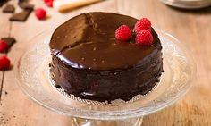 Need a delicious brownie cake with raspberries recipe? Try this delicious recipe for a yummy baked treat today. Stork – Love to Bake. Raspberry Recipes, Raspberry Cake, Raspberry Cheesecake, Stork Recipes, My Recipes, Baking Recipes, Yummy Snacks, Yummy Food, Chocolate Brownie Cake