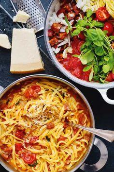 One Pot pasta med tomater og chorizo - Femina