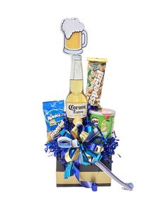 Liquor Bouquet, Gift Bouquet, Candy Bouquet, Diy Father's Day Gifts, Father's Day Diy, Best Dad Gifts, Gifts For Dad, Happy Fathers Day, Fathers Day Gifts