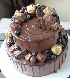[New] The 10 Best Food Today (with Pictures) Cupcakes, Cake Cookies, Cupcake Cakes, Easy Cake Decorating, Cake Decorating Techniques, Chocolate Explosion Cake, Ghirardelli Chocolate, Chocolate Cakes, 18th Cake