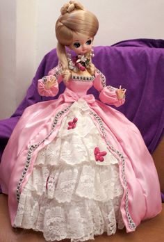 US $60.00 Used in Dolls & Bears, Dolls, By Material