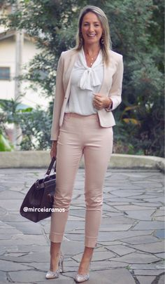 Adorable Inexpensive Spring Business Outfit Ideas For Women To Try Casual Work Outfits, Professional Outfits, Mode Outfits, Office Outfits, Work Attire, Work Casual, Classy Outfits, Chic Outfits, Spring Outfits