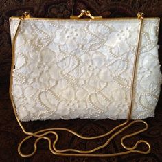 Carolyne Barton Beaded Evening Bag This awesome purse is in like new condition. Boutique Bags Clutches & Wristlets