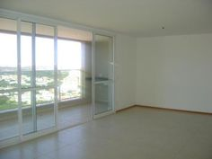 Compre Apartamento com 4 Quartos, Sul, Águas Claras por R$ 748.000. Possui um total de 158 m², 3 Suites, 3 Vagas de carro. Fale com FluxoImob.
