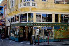 Vesuvio Cafe (San Francisco). Notable Patrons: Jack Kerouac, Allen Ginsberg, Neal Cassady