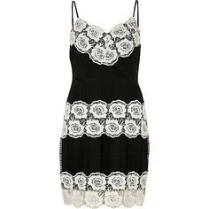 Petite collection Floral lace detail Bodycon fit Mid length