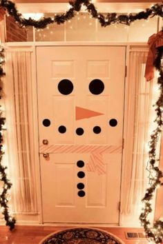 Frosty the door-man ;-)...I know a wonderful little boy who will love this!