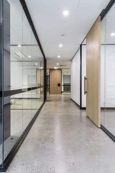 Maxam + Co Reckon Gallery by Local Australian Design & Interiors North Sydney, Nsw Image 5 Industrial Office Design, Office Space Design, Workplace Design, Office Interior Design, Office Interiors, Office Designs, Corporate Interiors, Design Interiors, Exterior Design