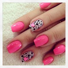 Valentines nails pink nails accent nail dots and heart nail art Fancy Nails, Cute Nails, Pretty Nails, Sexy Nails, Pink Nail Art, Pink Nails, Black Nails, Black Polish, Pink Manicure