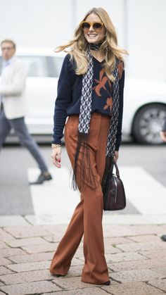 60 Chic Fall Outfit Ideas. It may not quite be full-blown scarf season yet, but a skinny style helps bridge the gap and gives your look '70s glam vibe.
