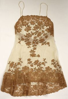Vintage Lingerie French Chemise - 1930 - Silk, Cotton - The Metropolitan Museum of Art. I Want a replica to wear. Belle Lingerie, Pretty Lingerie, Vintage Lingerie, French Lingerie, Lacy Lingerie, Vintage Outfits, Vintage Dresses, Vintage Tops, Antique Clothing