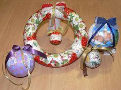 Decoratiuni de Craciun realizate la Atelierul Deco Craft®. Globulete si coronite din polistiren. Servetele de Iarna si de Craciun si Anul nou: http://www.decocraft.ro/en/servetele-de-iarna http://www.decocraft.ro/en/servetele-craciun-anul-nou