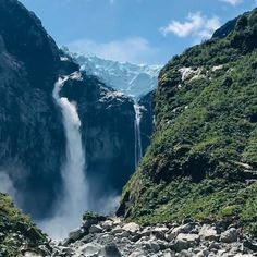 10 lugares que ver en Chile antes de morir | Blog Denomades: Información y guía de viajes, qué hacer, ver y visitar Waterfall, Bullet Journal, Blog, Outdoor, Colorful Wallpaper, Viajes, Lugares, Outdoors, Rain