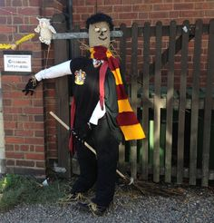 Harry Potter Scarecrow- JK Rowling Tribute. What makes 'Great' Britain.