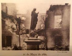 Restos del incendio del Convento de Chamartin después de la proclamación de las leyes anticlericales de la II República.