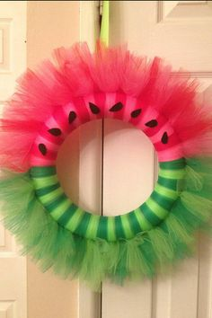 Beautiful Summer Wreath Tutorials and Ideas - Summer Diy : 20 Beautiful Summer Wreath Tutorials and Ideas Waatermelon Tulle Wreath. The post 20 Beautiful Summer Wreath Tutorials and Ideas appeared first on Summer Diy. Tulle Crafts, Wreath Crafts, Diy Wreath, Diy Crafts, Wreath Ideas, Tulle Wreath Tutorial, Flag Wreath, Patriotic Wreath, Wreath Making
