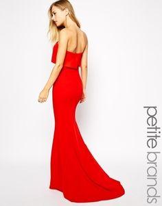 €176, Vestido Largo Rojo. De Asos. Detalles: https://lookastic.com/women/shop_items/144075/redirect