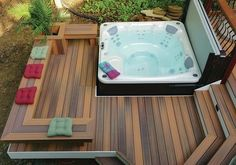 Deck and hot tub - Most hot tubs are equipped with a cover that has an articulating arm to lift it; make sure to allow for enough room for the cover to fold up... Pool Decks, Backyard Decks, Diy Deck, Pergola Patio, Diy Patio, Backyard With Hot Tub, Deck Ideas With Hot Tub, Hot Tub On Deck, Jacuzzi Outdoor Hot Tubs