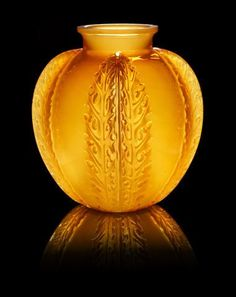 "René Lalique (French, 1860-1945) - ""Chardons"" a Vase, design 1922:"