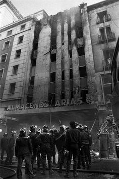Imagen de Almacenes Arias después del incendio de 1987; (foto sacada de 20minutos):