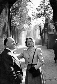 Ingrid Bergman y Alfred Hitchcock en  Londres, Octubre de 1948 (foto de Kurt Hutton)