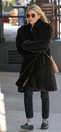 : Photo Ashley Olsen bundles up from the cold winds with a faux-fur coat while out and about running errands on Saturday afternoon (March in New York City. Ashley Olsen Style, Olsen Twins Style, Olsen Fashion, Star Fashion, Womens Fashion, Mary Kate Ashley, Mary Kate Olsen, Elizabeth Olsen, Twin Outfits