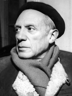 Portrait of Spanish-born artist Pablo Picasso in a winter coat, scarf, and beret, Get premium, high resolution news photos at Getty Images Pablo Picasso Sculptures, Famous Scorpios, Willy Ronis, Spanish Painters, Man Ray, Portraits, Renoir, Museum Of Modern Art, Famous Artists