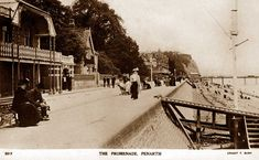 Old Photos of Penarth in Glamorgan / Sir Morgannwg, South Wales, United Kingdom of Great Britain Old Pictures, Old Photos, Kingdom Of Great Britain, Cardiff, South Wales, Seaside, To Go, Street View, History
