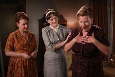 Anita Olson Respola (Audrey Wasilewski), Peggy Olson (Elisabeth Moss), and Katherine Olson (Myra Turley) #madmen