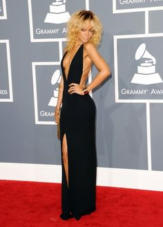 kind of reminded of nicole richie... but I love the dress!
