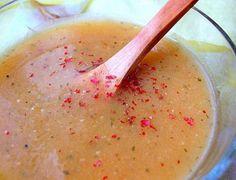 Имаме нужда от нещо топло в тези студени дни, затова решихме да ви представим тази интересна рецепта за крем супа от тиква.